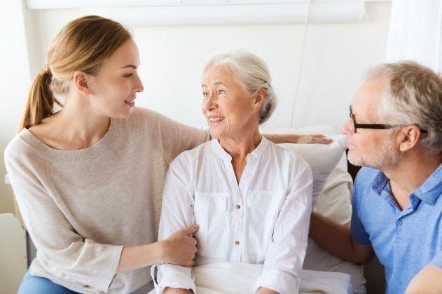 É possível incluir a mãe como dependente no plano de saúde?