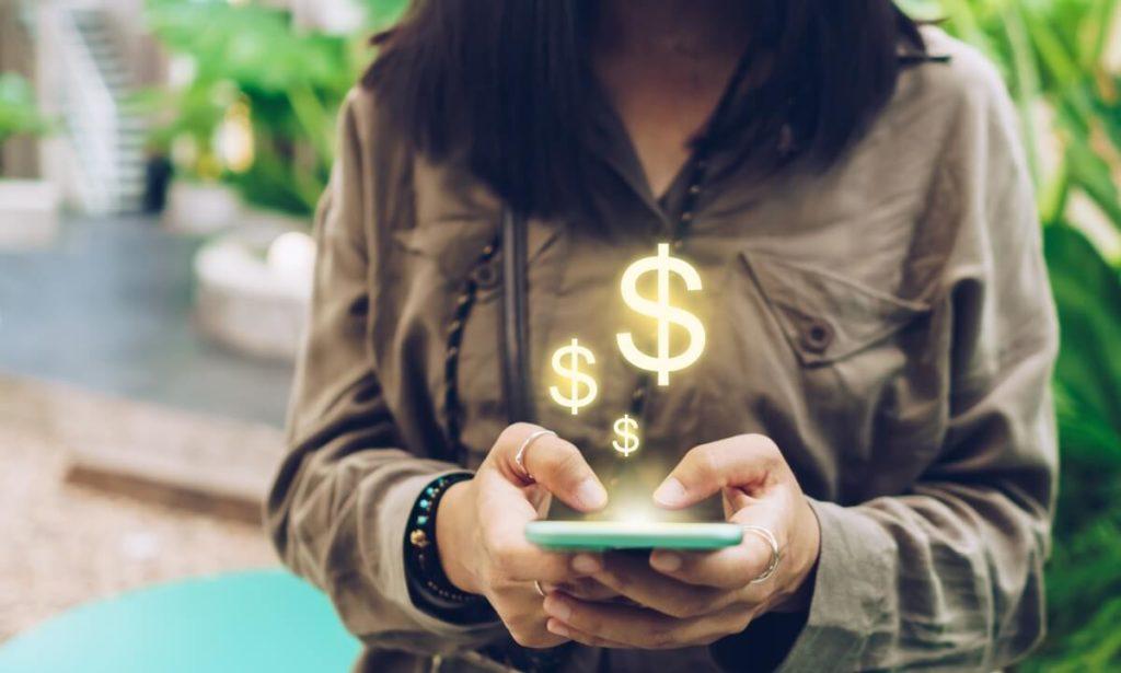 Os aplicativos do Gympass Wellness podem ajudar até na educação financeira dos usuários ativos do benefício, com opções voltadas para organização das despesas ou consultoria pessoal