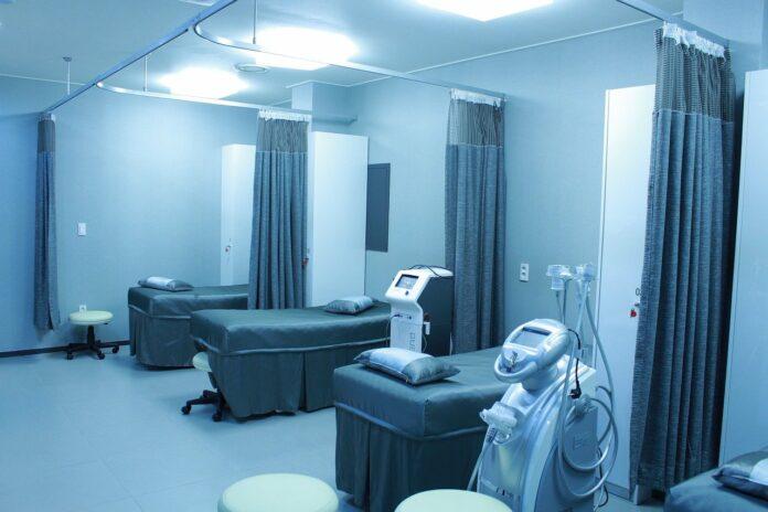 Imagem de enfermaria de hospital, presente no texto do blog da Sami sobre acreditação hospitalar